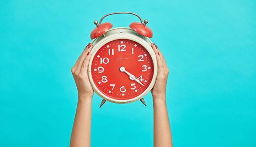 「遅れる」を意味する「myöhästyä」の使い方と例文